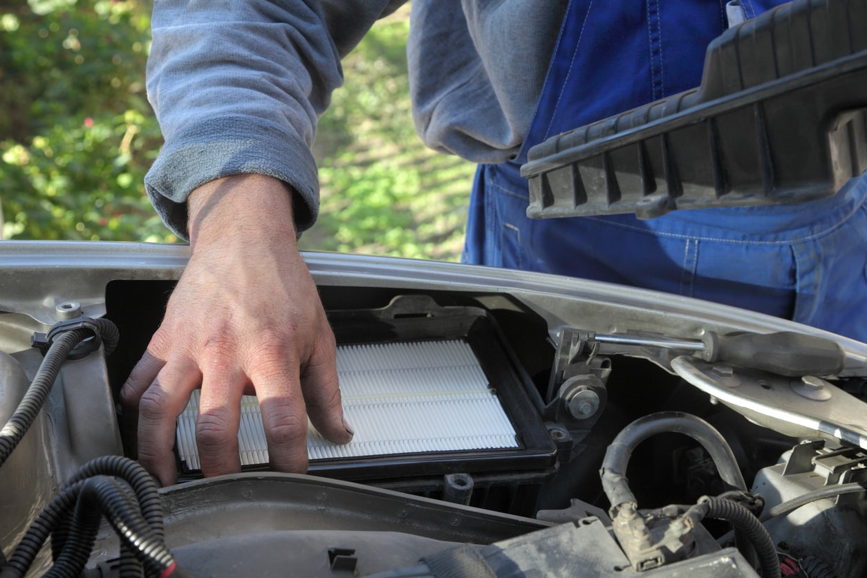Changing Your Car's Engine Air Filter