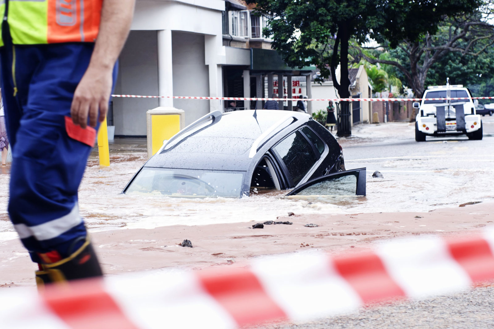 Flood Damaged Cars – Owners And Buyers Beware